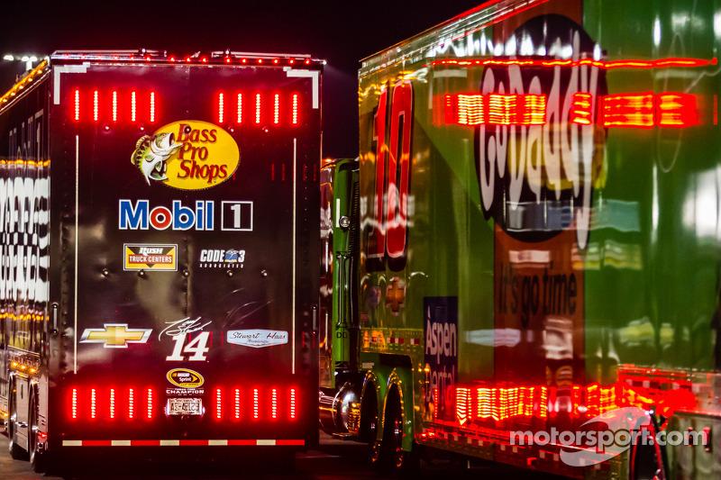 Tır: Tony Stewart, Stewart-Haas Racing Chevrolet