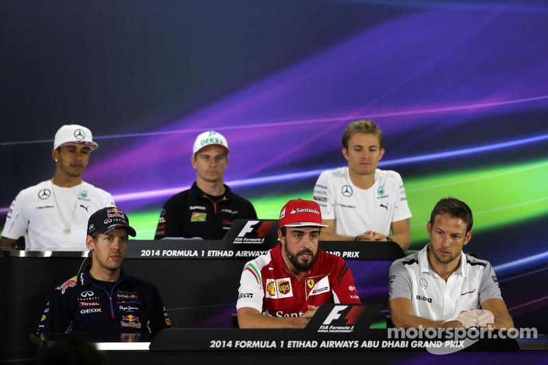 Sebastian Vettel, Red Bull Racing, Fernando Alonso, Ferrari; Jenson Button, McLaren