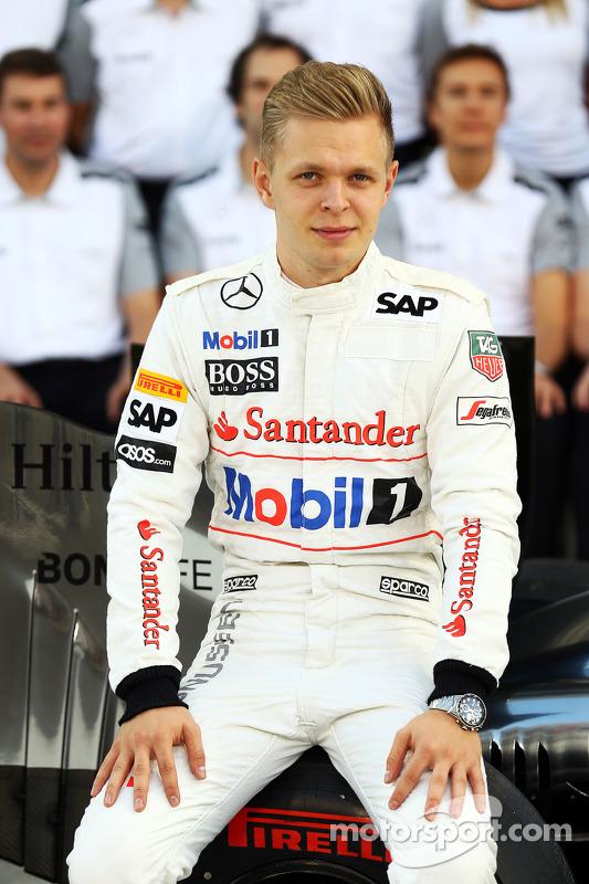 Kevin Magnussen, McLaren en la foto de equipo