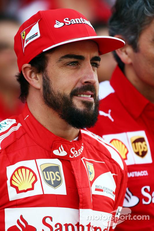 Fernando Alonso, Ferrari takım fotoğrafında