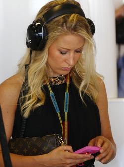 Jennifer Becks, novia de Adrian Sutil, Sauber