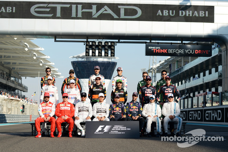 The drivers at the end of season group photograph