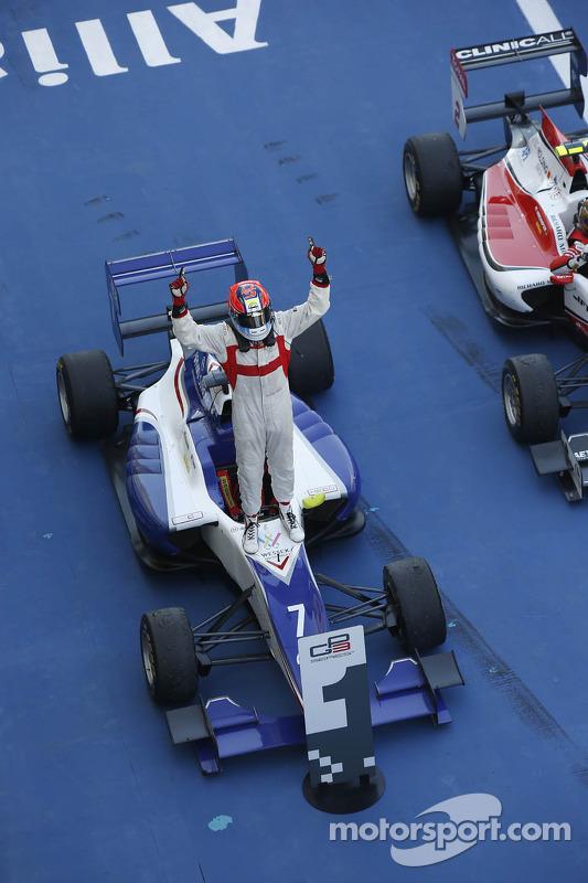 Vencedor da corrida Dean Stoneman, Koiranen GP