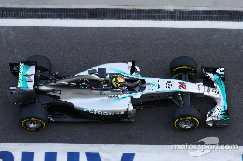 Pascal wehrlein mercedes amg f1 w05 reserve driver at abu for Mercedes benz f1 drivers
