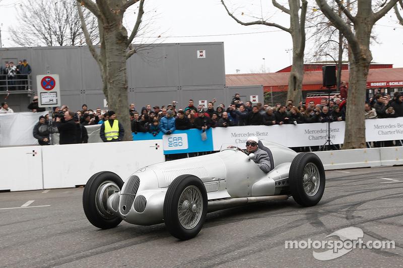 Jochen Mass, W125