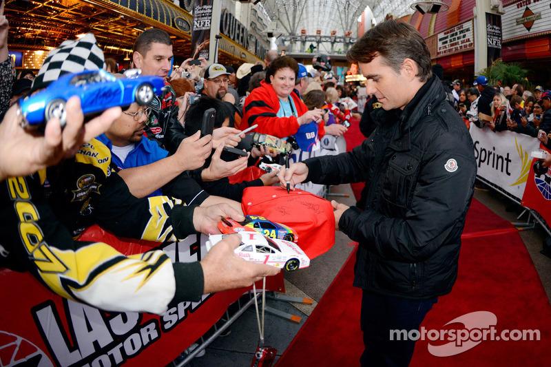 Jeff Gordon, Hendrick Motorsports firma autografi