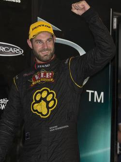 El ganador  Shane van Gisbergen, Tekno Team VIP Holden