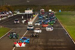 起步: #17 Davidson Racing Norma M20F 宝马: Alex Lloyd, Bob Davidson, Brian Frisselle, Kyle Marcelli, Randy Pobst ,领先