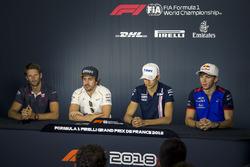 Romain Grosjean, Haas F1, Fernando Alonso, McLaren, Esteban Ocon, Force India F1 zr Pierre Gasly, Scuderia Toro Rosso en conférence de presse