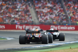 Lance Stroll, Williams FW41, leads Daniel Ricciardo, Red Bull Racing RB14