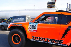 Robby Gordon drives the Gordini in Buenos Aires