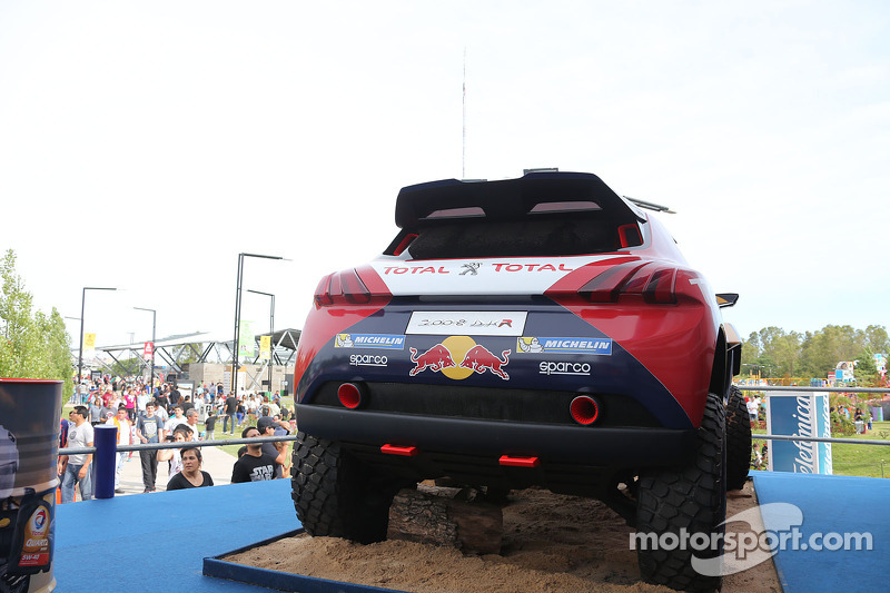 Peugeot/Total stand