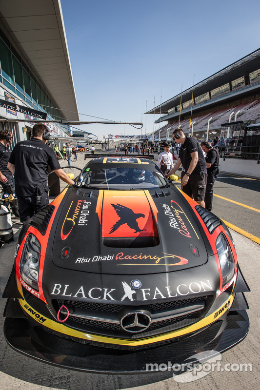 #14 Abu Dhabi Racing Black Falcon, Mercedes SLS AMG GT3: Khaled Al Qubaisi, Jeroen Bleekemolen, Bern