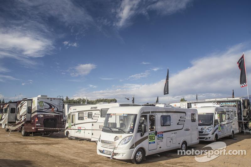 X-Raid caravan