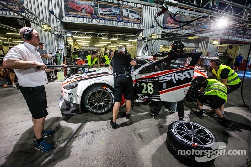 #28进站,KPM车队,阿斯顿·马丁Vantage GT3: Paul White, Stefan Mücke, Jonny Adam
