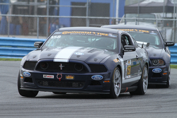 #158 Multimatic Motorsports Mustang Boss 302R: Джейд Буфорд, Ян Джеймс, Austin Cindric