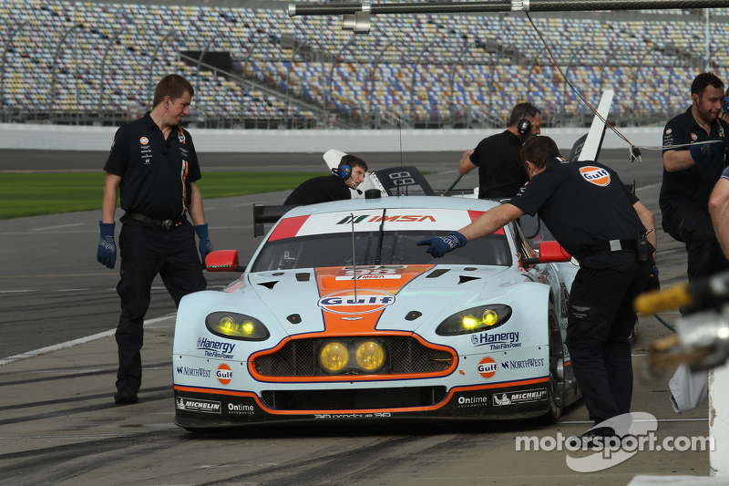 #98 Aston Martin Racing, Vantage: Pedro Lamy, Darren Turner, Mathias Lauda, Paul Dalla Lana
