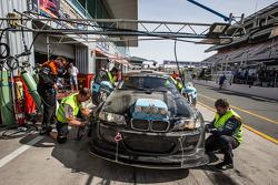 Pit stop para o # 78 JR Motorsport BMW E46 GTR: Harry Hilders, Gijs Bessem, Daan Meijer, Roger Grouw