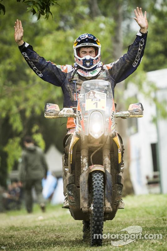 vencedor da Categoria Moto Marc Coma