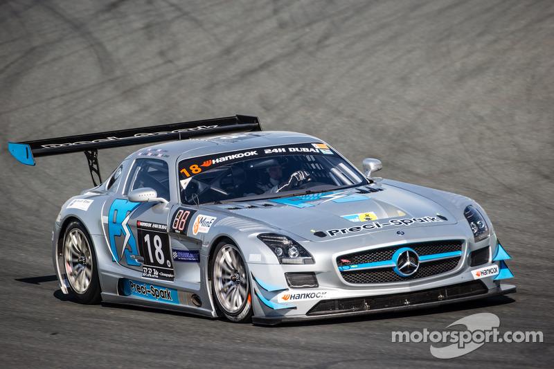 #18 Preci - Spark, Mercedes SLS AMG GT3: David Jones, Godfrey Jones, Philip Jones, Gareth Jones, Mor