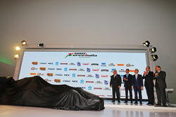 (L to R): Віджей Малья, власник команди Sahara Force India F1 з Carlos Slim, Businessman; Miguel Angel Mancera, Mayor of Mexico City; Francisco Maass Pena, Deputy Minister для Tourism; Alejта ro Soberon, Corporacion Interamericana CEO