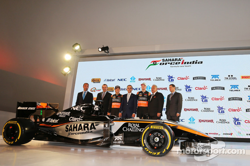 (da sinistra a destra): Carlos Slim, Presidente della America Movil con Francisco Maass Pena, Viceministro del Turismo ; Sergio Perez, Sahara Force India F1; Miguel Angel Mancera, Sindaco di Città del Messico, Nico Hulkenberg, Sahara Force India F1; Dr. V