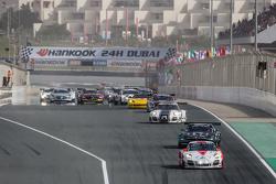 Pace-Lap: #12 Fach Auto Tech, Porsche 997 GT3 R: Otto Klohs, Martin Ragginger, Jens Richter, Sven Müller