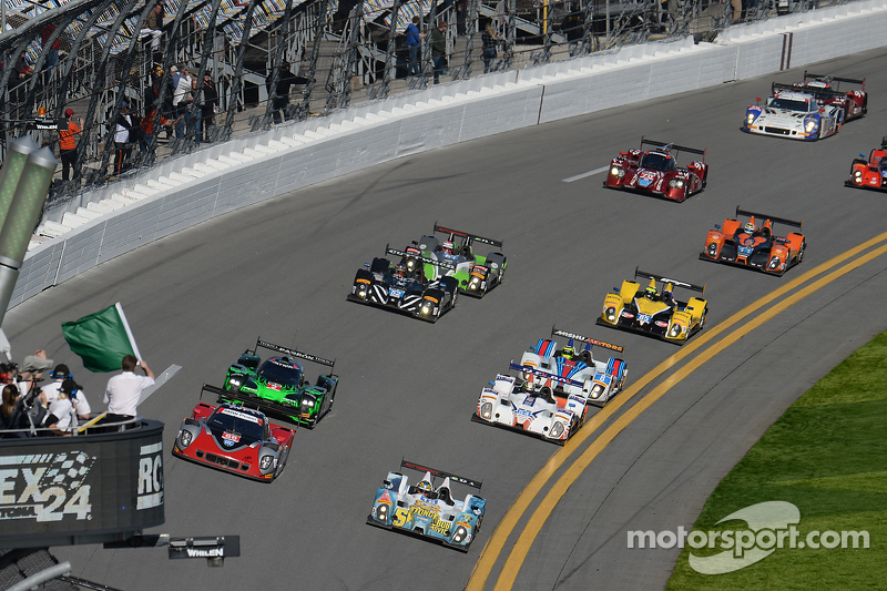PC start: #16 BAR1 Motorsports Oreca FLM09: Johnny Mowlem, Tom Papadopoulos, Tomy Drissi, Brian Alde