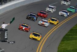 GT-Start: #4 Corvette Racing, Chevrolet Corvette C7.R: Oliver Gavin, Tommy Milner, Simon Pagenaud