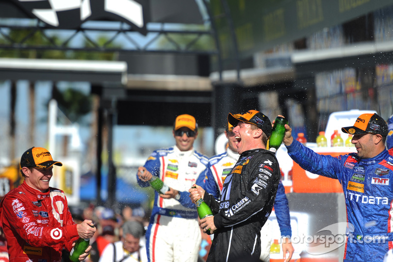 Podium: 1. Jamie McMurray, Tony Kanaan und Scott Dixon; Chip Ganassi Racing