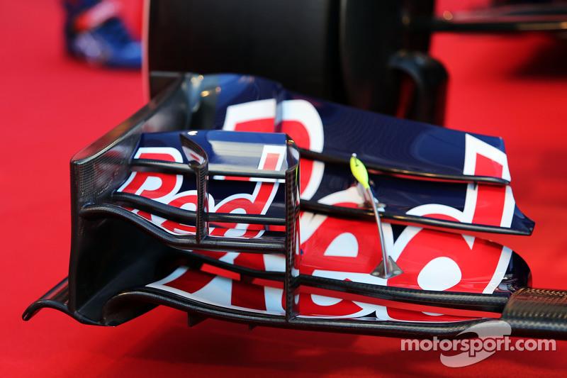 Scuderia Toro Rosso STR10, Frontflügel-Detail