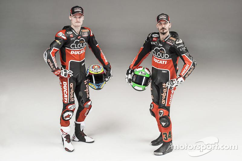 Chaz Davies und Davide Giugliano mit der Ducati Panigale R