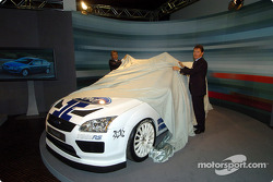 Malcolm Wilson and Jost Capito unveil the new Ford Focus WRC Concept