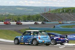Nuzzo Motorsports Mini Cooper S : Tony Nuzzo, Steve Pattee; BGB Motorsports Porsche 996: Robert Finlay, Michael McDowell