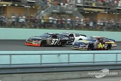 2004 NASCAR NEXTEL Cup champion Kurt Busch and race winner Greg Biffle