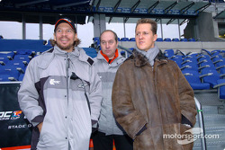 Michael Schumacher inspects the track with Fredrik Johnsson and Marc Duez