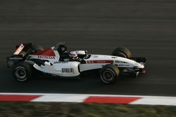 Takuma Sato tests the new BAR Honda 007