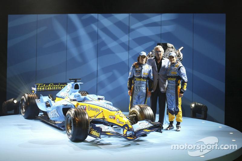Фернандо Алонсо, Флавіо Бріаторе, Джанкарло Фізікелла та новий Renault R25