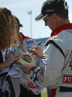 John Andretti signs autographs