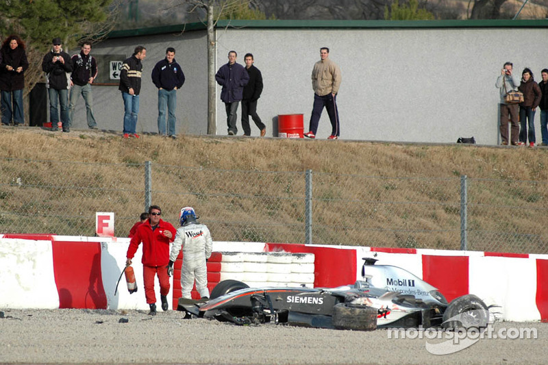 Kimi Raikkonen out, Car