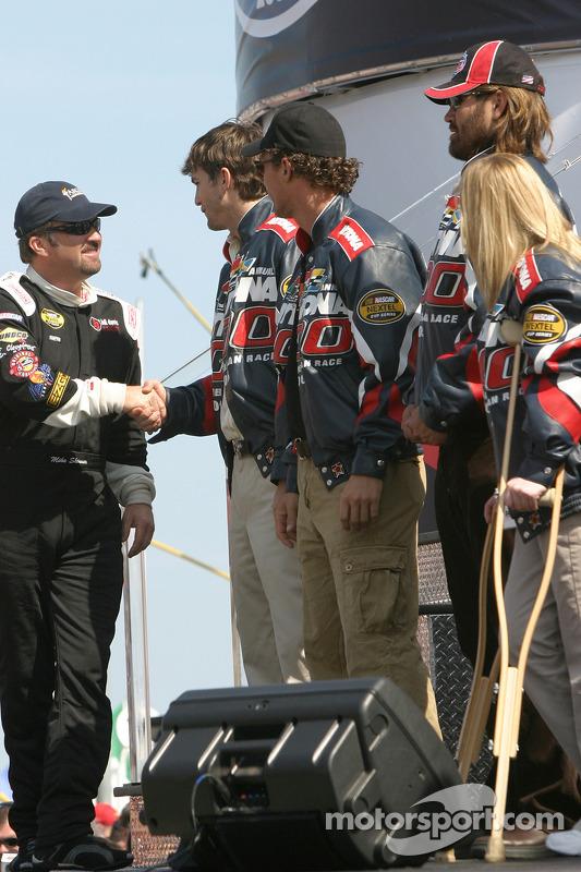 Presentación de pilotos: Mike Skinner