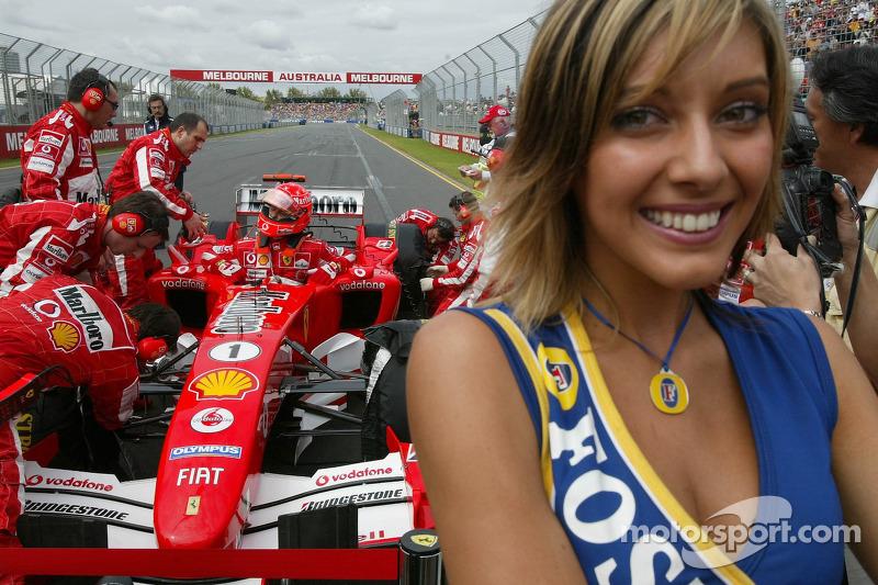 Michael Schumacher en la parrilla de salida