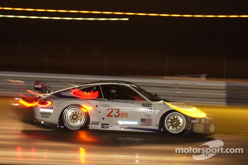 Alex Job Racing Porsche 911 GT3 RSR : Timo Bernhard, Romain Dumas, Sascha Maassen