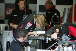 Christijan Albers inspects the new Minardi PS05