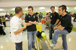 Indy drivers bowling competition: Tony Kanaan, Dan Wheldon, Bryan Herta and Dario Franchitti