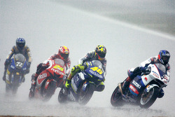 Kenny Roberts leads Valentino Rossi
