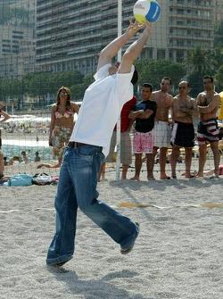 RTL beach volley match: Jacques Villeneuve