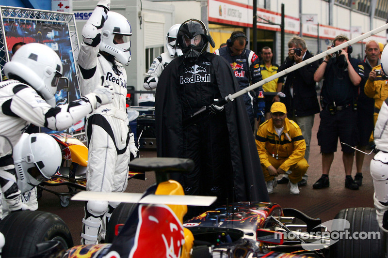 Red Bull Racing pratica pit stop