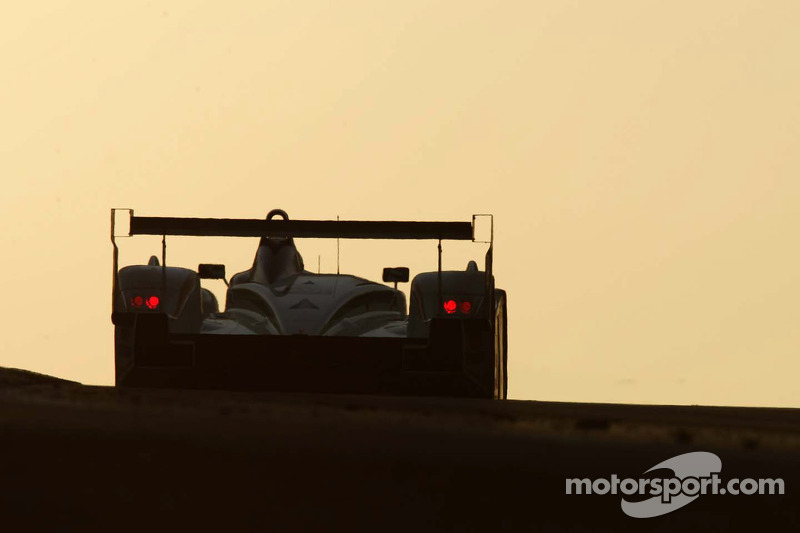 La Champion Racing Audi R8 (JJ Lehto, Marco Werner, Tom Kristensen au lever du soleil