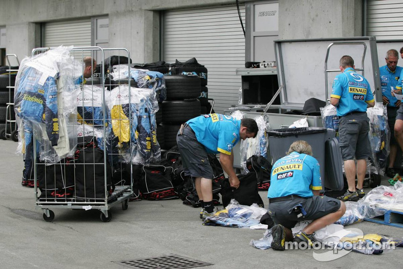 Dry cleaning at Renault